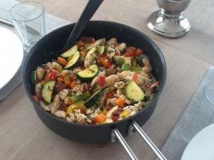Kylling og blandede krydderurter samt grønt
