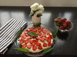 Første forsøg på melfri jordbærtærte.