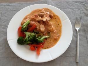 Grøntsagerne er vendt på panden i citron og basilikum olie og drysset med salt
