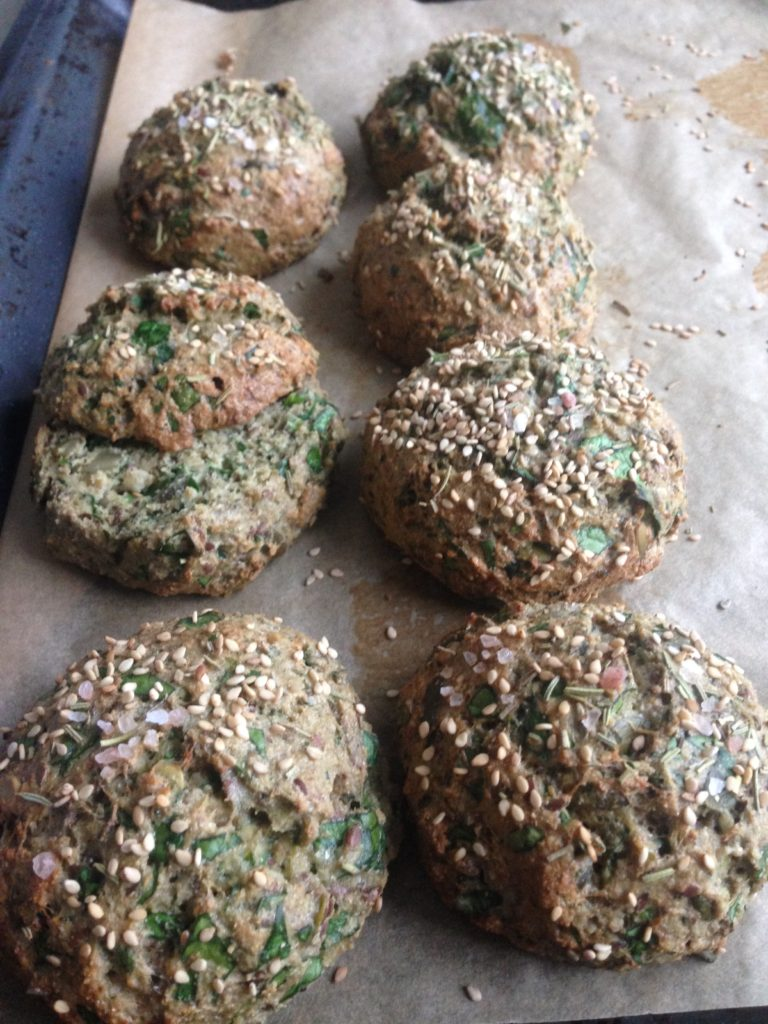 Frokostboller helt uden mel og sukkre men med spinat og squash