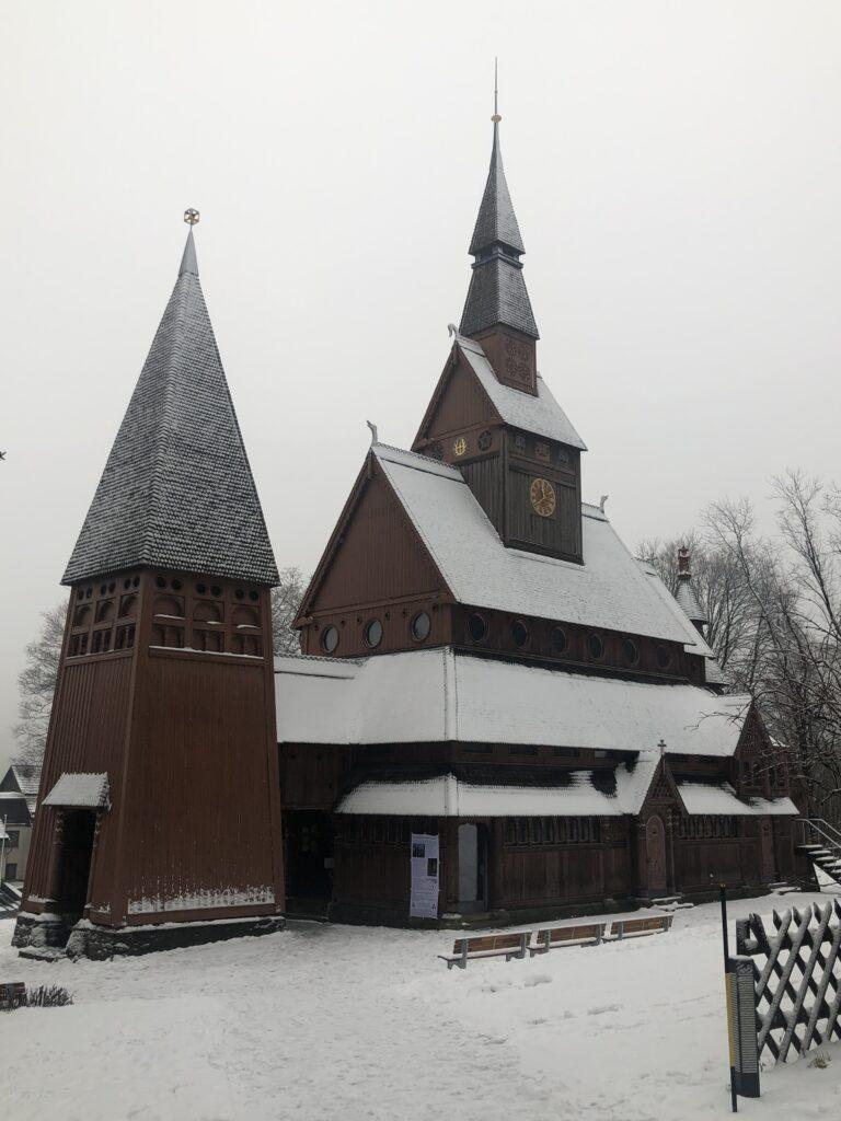 Kirke bygget i træ