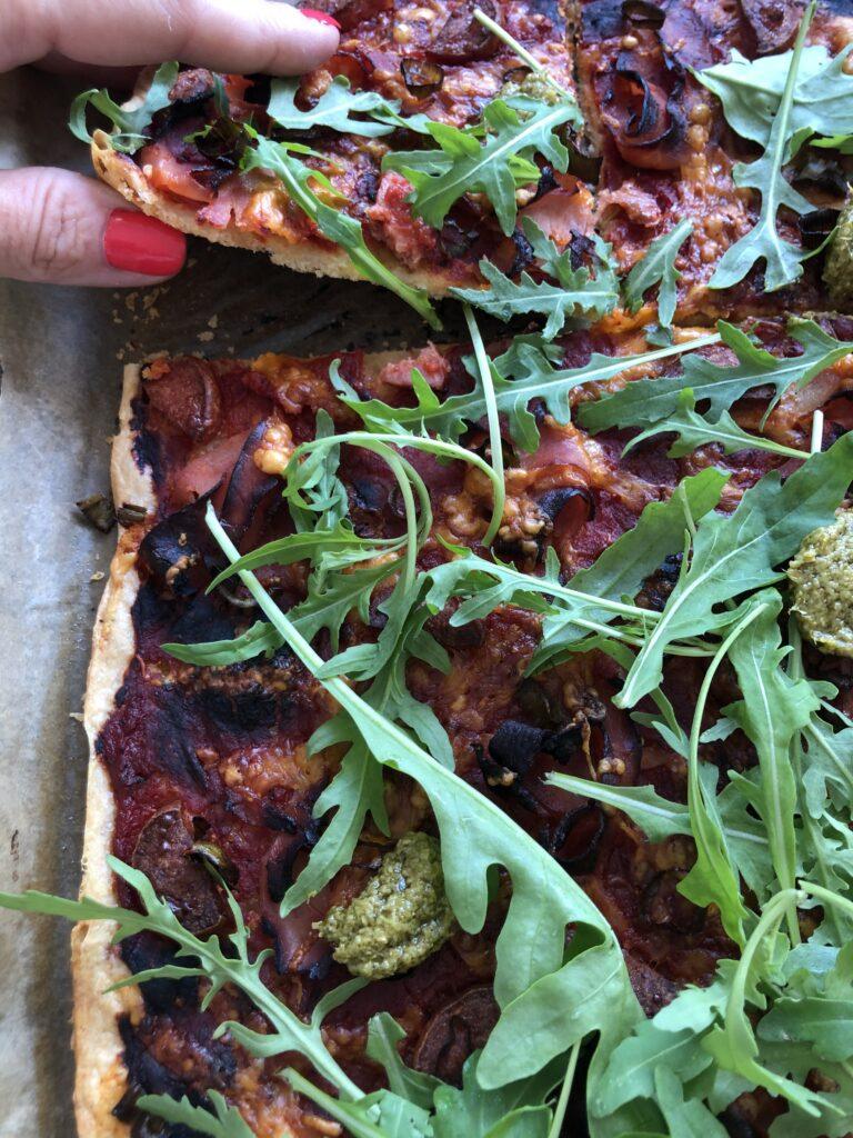 Lchf pizza med sprød bund