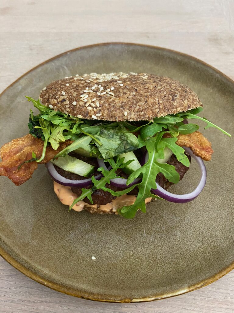 Burgernight med low carb bolle.